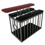Playroom - Banc Doggy Sling placé sur la cage position ouverte