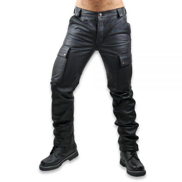 Cuir - Une production Rex - Pantalon treillis en cuir de cheval. Détails.