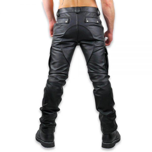 Cuir - Une production Rex - Pantalon treillis en cuir de cheval. Détails de la découpe.